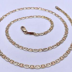 "14kt Tri-Color Gold Fancy Star Burst Chain 18"""